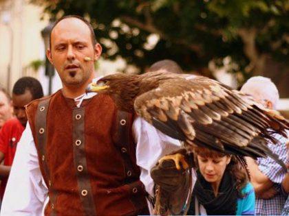 Entrega de alianzas anillos con águilas